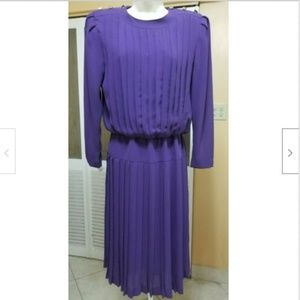 Leslie Fay Ladies Beautiful Purple Dress